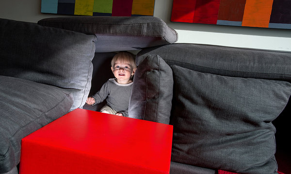 Stuart Isett for The New York Times Andrew van Leeuwen, a Seattle architect and blogger, drew traffic with posts about pillow forts. Above, his 15-month-old son, Parker, in a fort.
