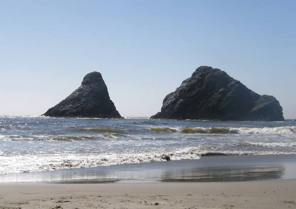 Large rocks at Heceta head
