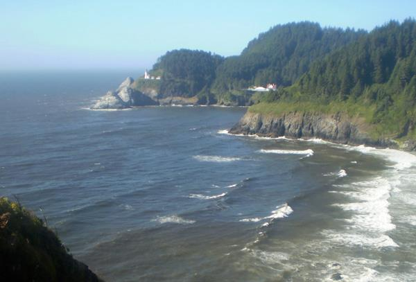 Heceta Head lighthouse and cove
