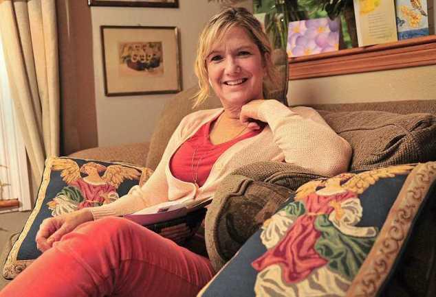 Cornelia Seigneur at home.